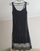 Czarna sukienka Bershka...
