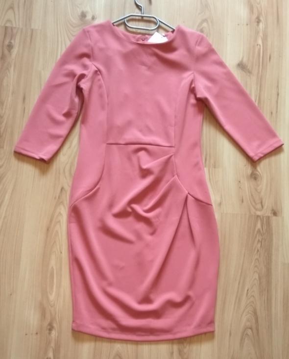 Nowa elegancka różowa sukienka z rękawem 3 4 rozm M 38