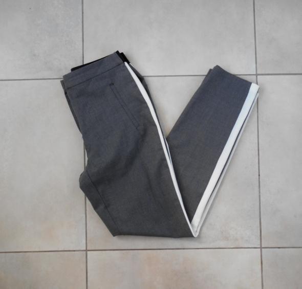 Zara szare spodnie cygaretki białe paski
