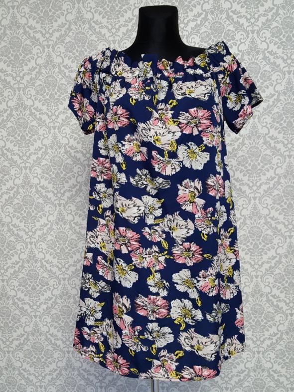 granatowa sukienka hiszpanka w kwiaty Atmospgere