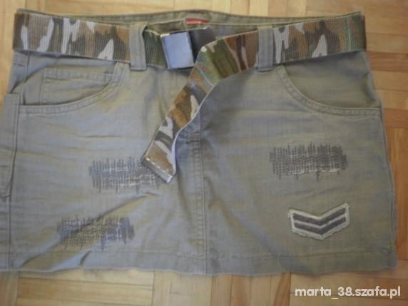 Spódniczka jeansowa z paskiem