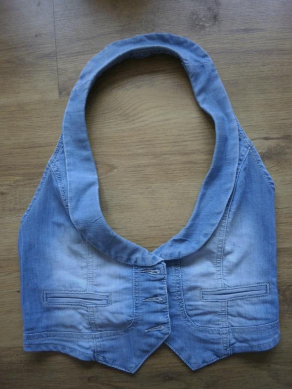 Jeansowa kamizelka zapinana na guziki
