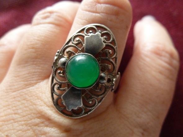 Pierścionki srebrny rusek z jadeitem