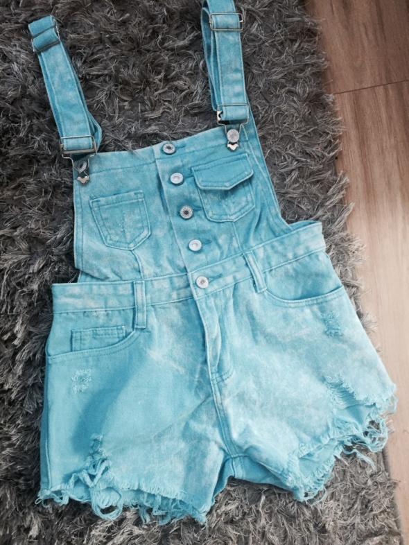 jeansowe szorty ogrodniczki niebieski neon