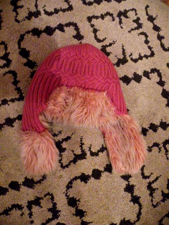 ciepła puszyta czapka