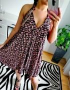 Wiązana sukienka