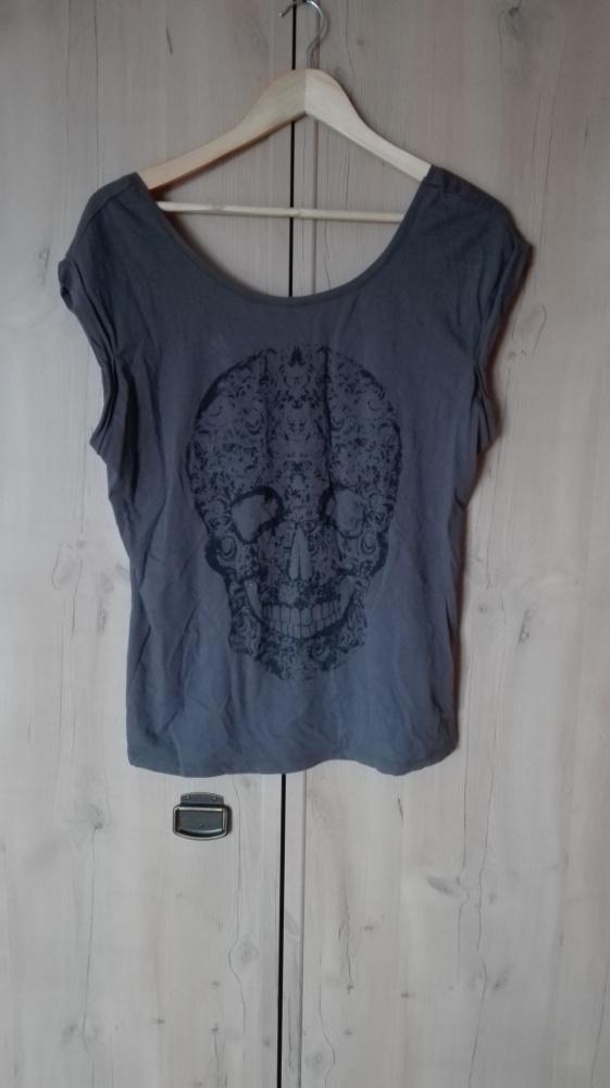 Bluzka z czaszką goth