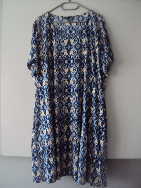 sukienka trapezowa z kieszonkami