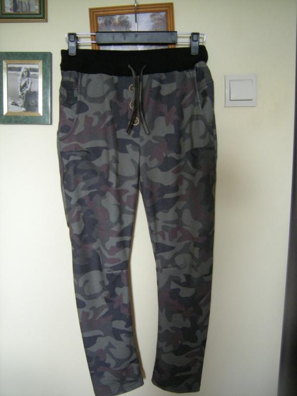 militarne spodnie rurki 38 Selfieroom
