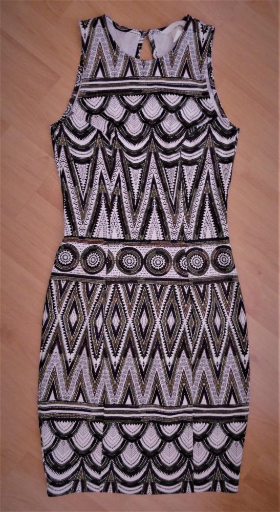 Ołówkowa sukienka azteckie wzory odkryte plecy H&M xs s