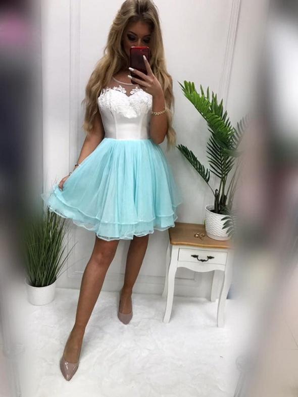 Rozkloszowana sukienka pretty woman