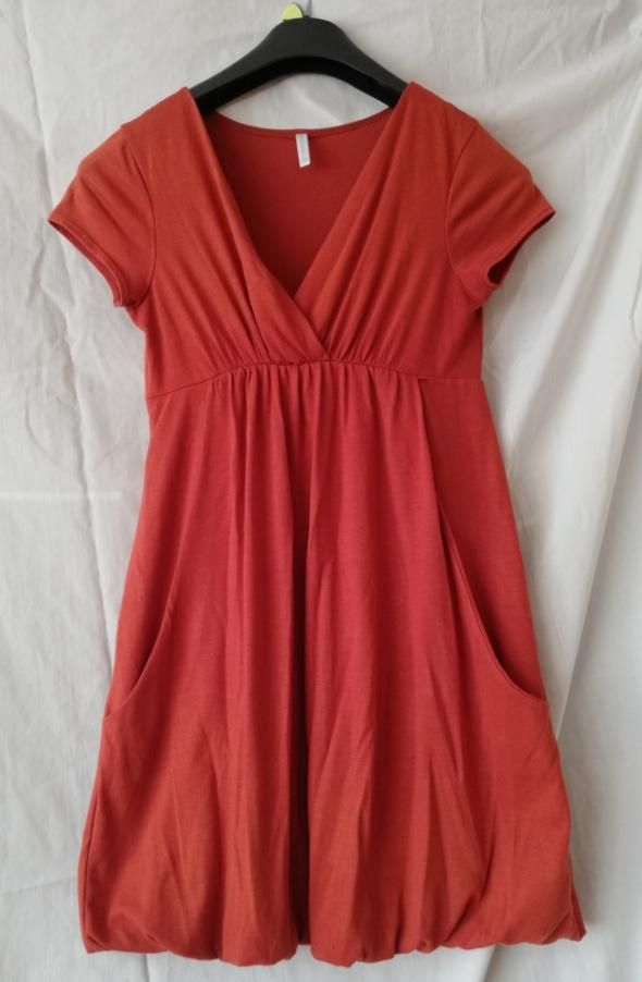 Łososiowa sukienka tunika z krótkim rękawem