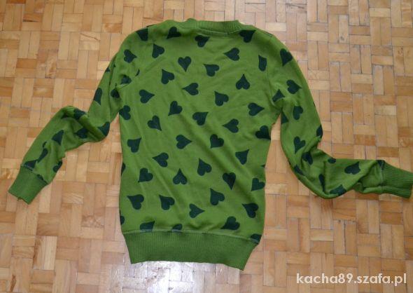 Zielony sweter serduszka