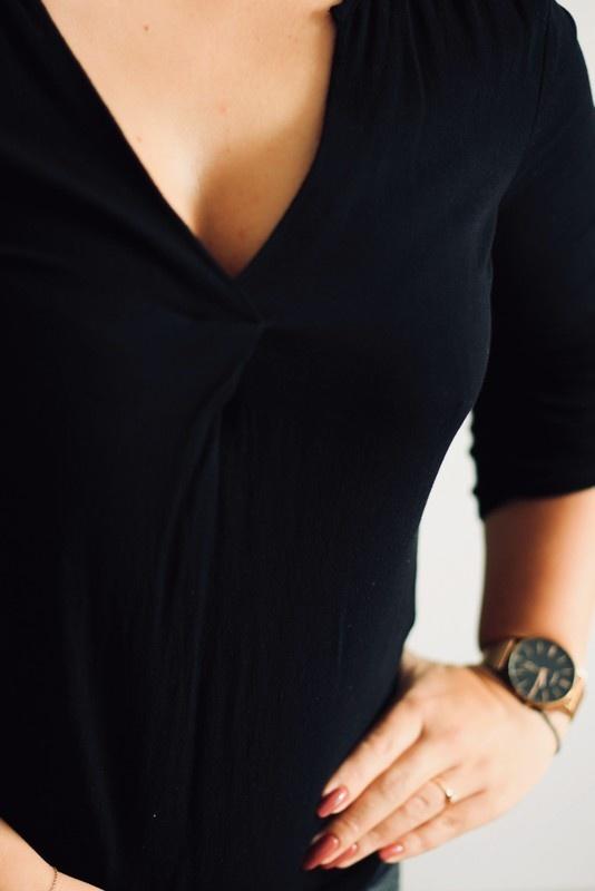 Czarna elegancka bluzka...