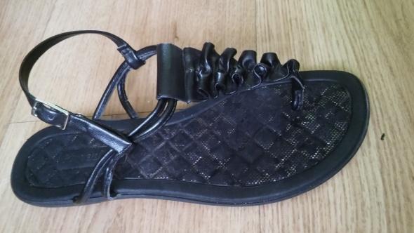 Czarne sandałki japonki 33