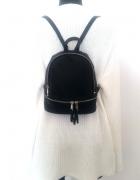 Blogerski plecak z suwakami czarny klasyka...