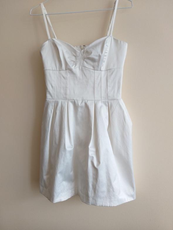 GINA TRICOT sukienka wizytowa...
