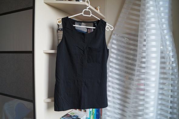 Czarna koszulka z siateczką Sinsay M