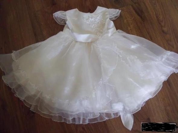 Piękna biała sukienka przyjęcie 98 104