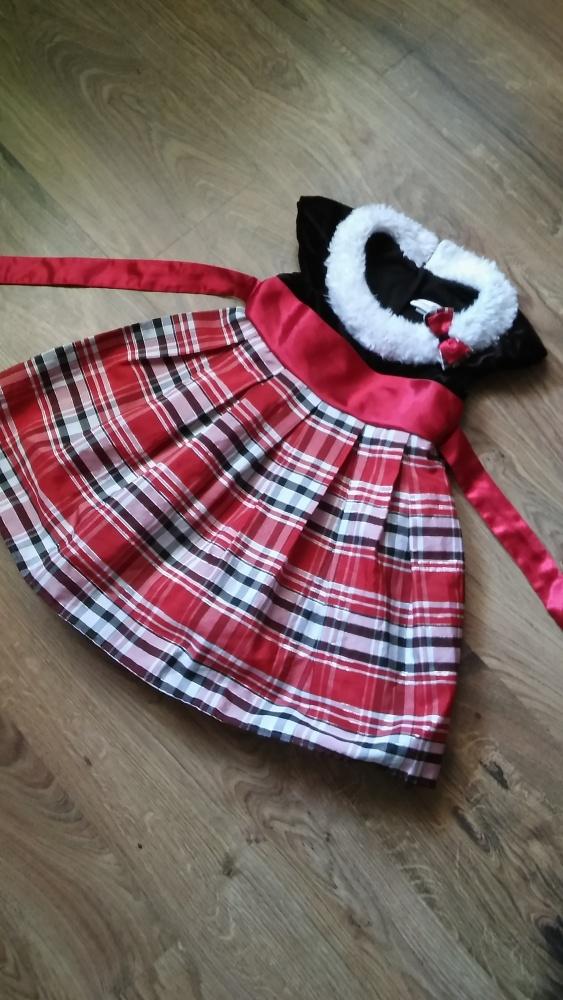Sukienka w kratkę kontry 116