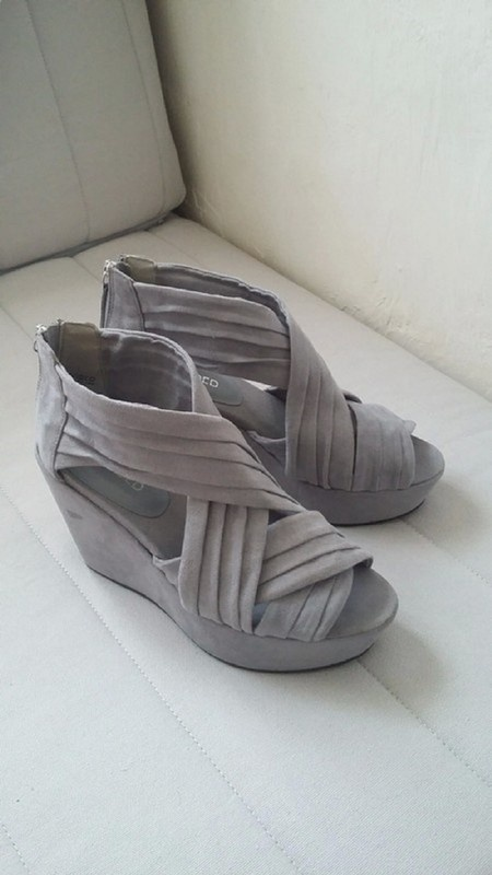 H&M DIVIDED SZARE NOWE KOTURNY WEDGES 37