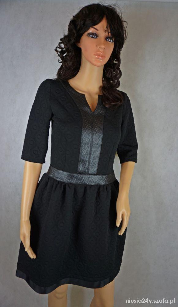 Sukienka mała czarna rozkloszowana z wstawką skórz