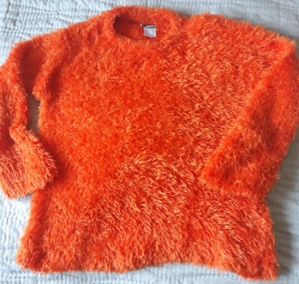 Pomarańczowy sweter włochacz fluffy