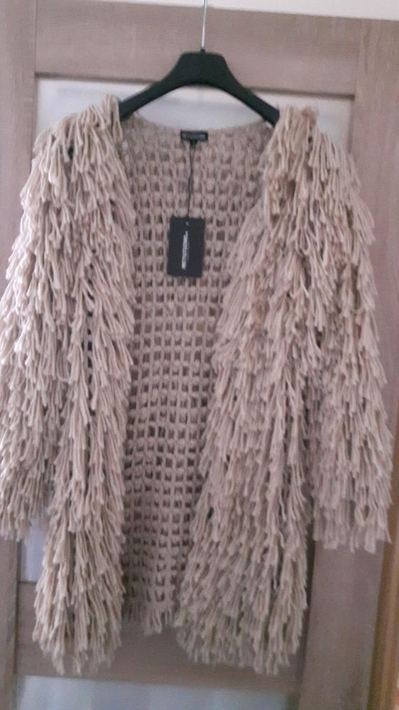 Sweter PRETTYLITTLEFING