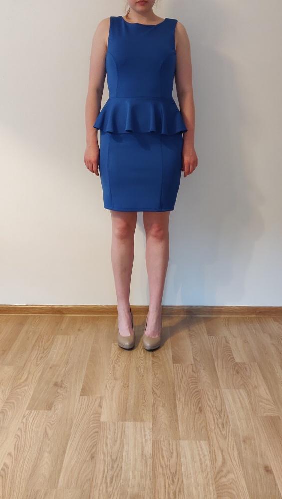 Chabrowa sukienka z baskinką...