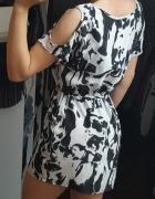 Krótka lekka sukienka czarno biała we wzorki gumka w pasie z kieszeniami rozmiar XS S