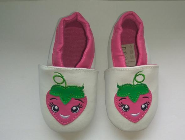 Nowe białe buciki dziewczęce 80 86