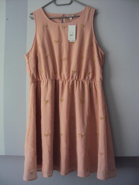 nowa sukienka z kokardkami...