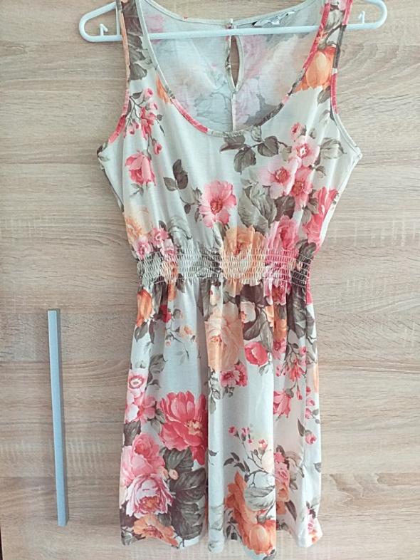 Sukienka w kwiaty New Look M...