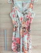 Sukienka w kwiaty New Look M