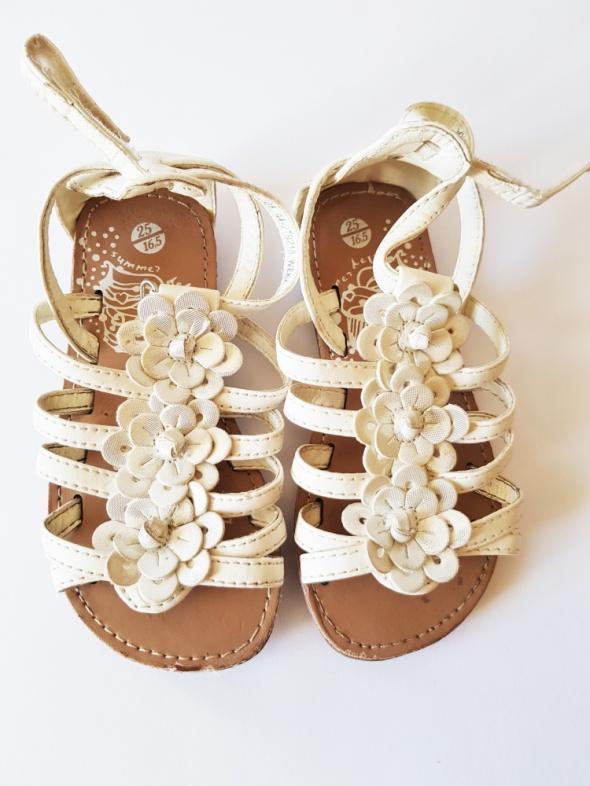 Śliczne dziewczęce sandałki Rozm 25 Stan doskonały