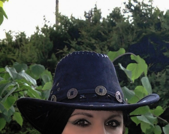 Czarny kapelusz kowbojski