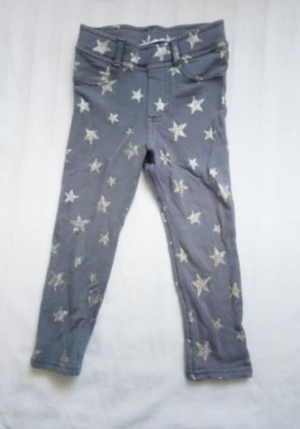 Spodnie w gwiazdy rurki 92 hm...