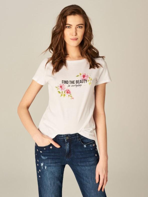 Wiosenna koszulka z nadrukiem