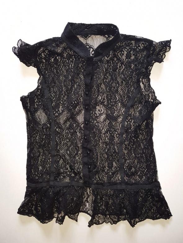 koronkowa czarna gotycka bluzka zapinana na guziki letnia na lato gothic gotycka czarna koronka
