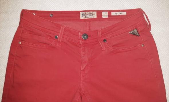 Replay jeansy damskie 26...