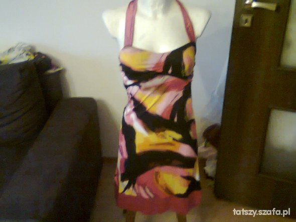 Różowo czarna sukienka