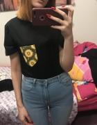 Czarna koszulka tshirt oversize arthoe z kieszenią kwiaty słone...
