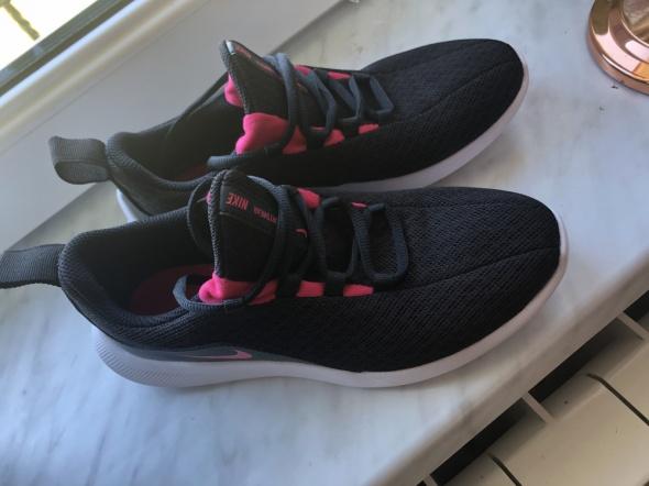 Sportowe Buty Nike