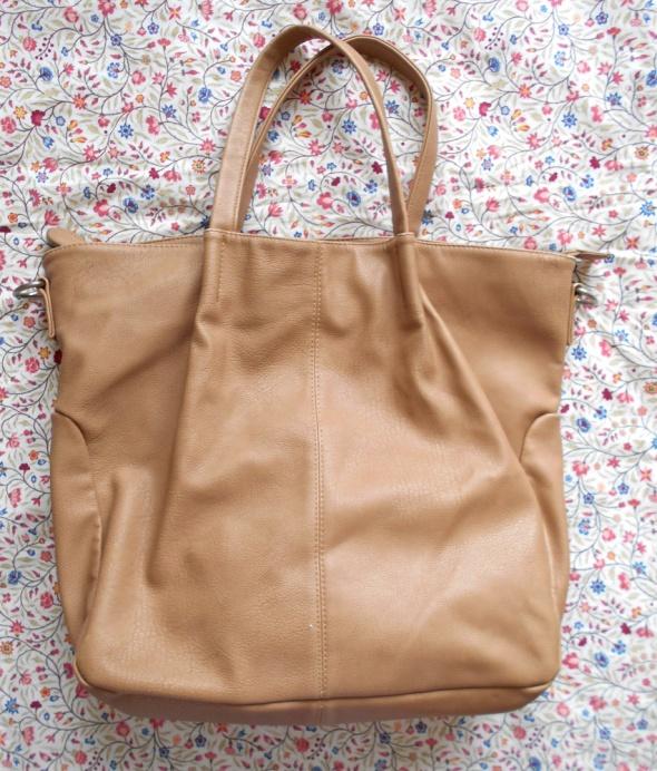 Torebki na co dzień Reserved nude torba xxl shopper bag beżowa skóra