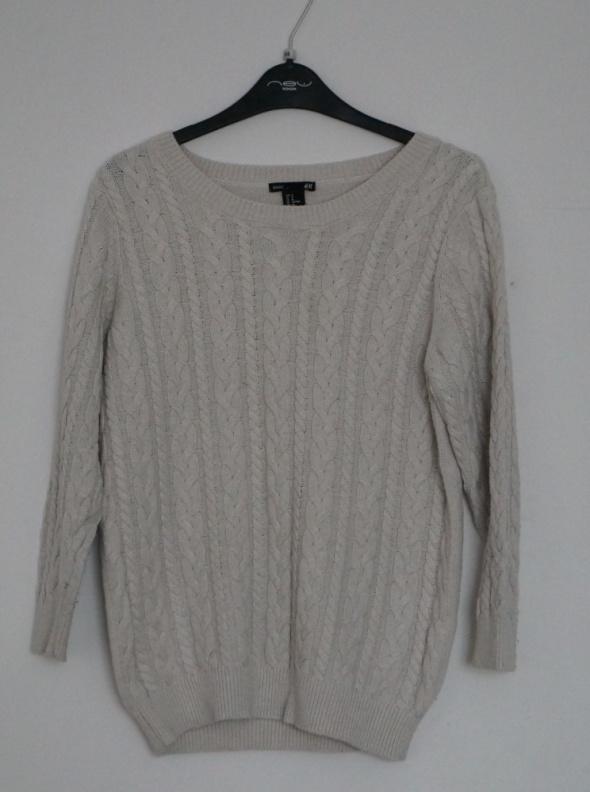 Sweterek w warkocz rozmiar M