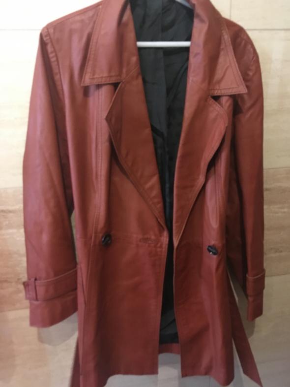 Brązowy skórzany płaszcz 36 S 38 m