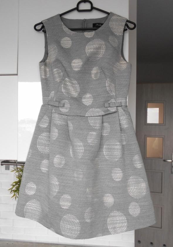 Pretty Girl elegancka sukienka szara groszki kropki rozkloszowana wesele studniówka