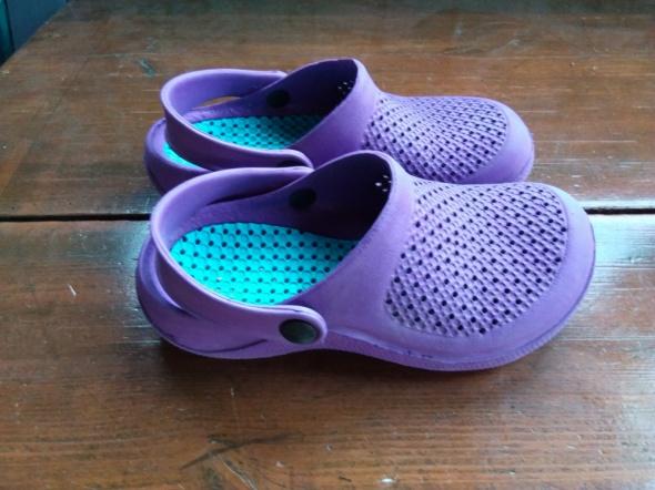 Buty typu crocks 31