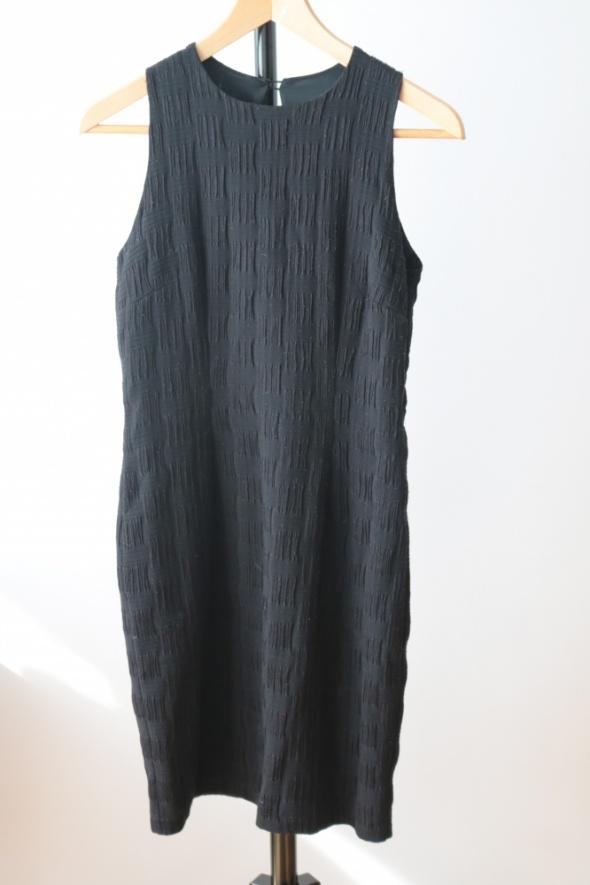 Mała czarna rozmiar 36