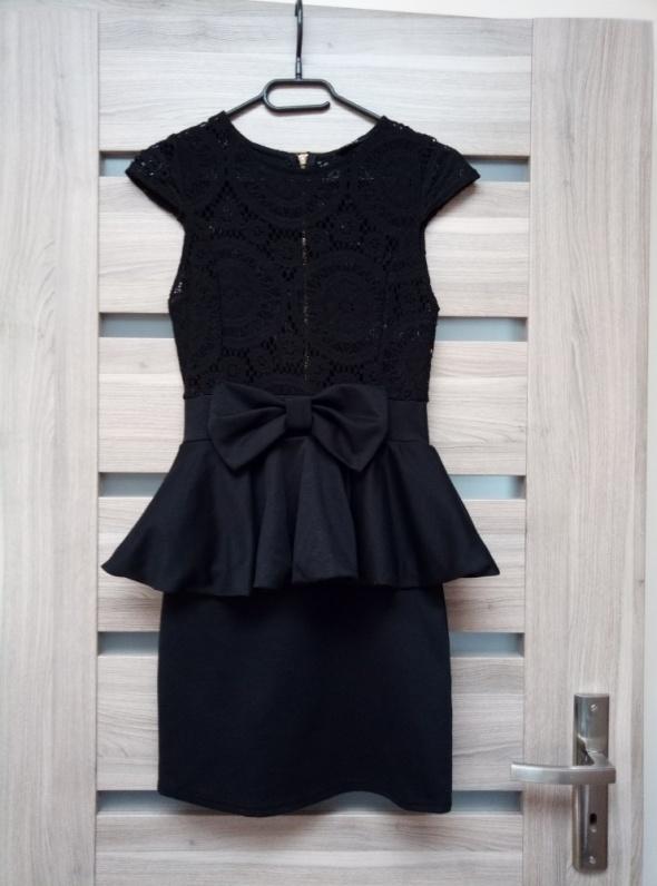 Koronkowa sukienka Miso